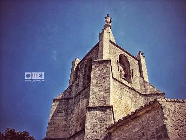 bonnieux biserica.JPG