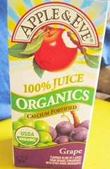 apple and eve organic grape juice, 240baon