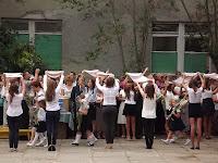 Рушники - обереги. 11классники встречают первоклашек