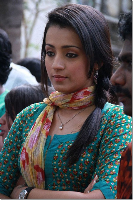 trisha-latest-hot-photos-1