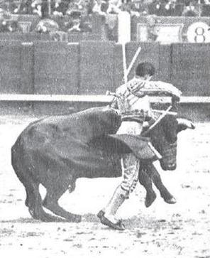 1915-05-12 (p) Mundo Grafico Un clamoroso triunfo de Joselito 01