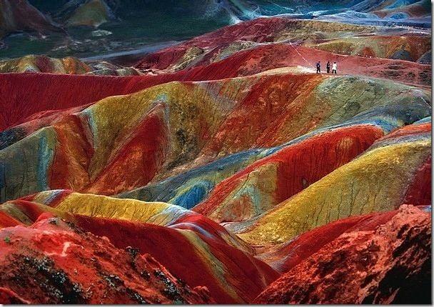 中國甘肅的丹霞奇景,這是真的自然景象。
