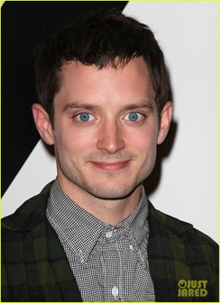 Elijah-Wood-dog-suit-01a
