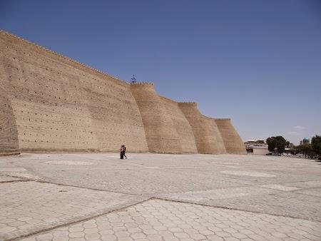 22. Zidurile cetatii Bukhara.JPG