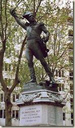 Statue de Ney par Rude à l'angle de la rue de l'observatoire et du boulevard Montparnasse