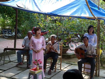 Tur Delta Mekongului: muzica traditionala vietnameza