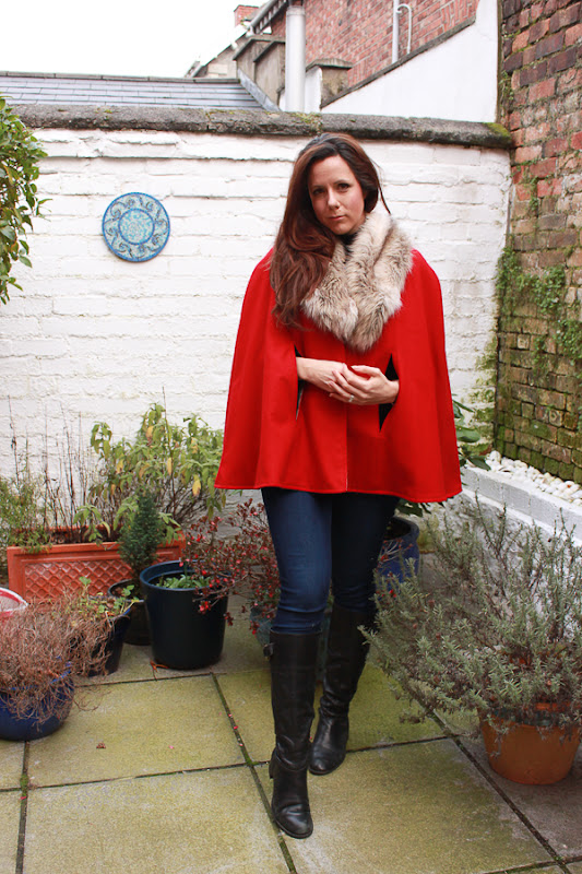 Su Sews SoSo Red Cape 3