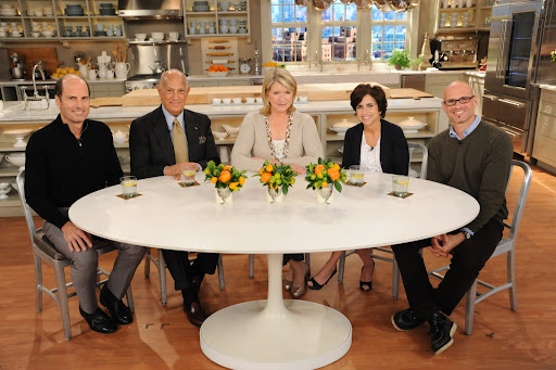 Peter Callahan, Oscar de la Renta, Martha Stewart, Darcy Miller and David Stark gather around the table for a chat.