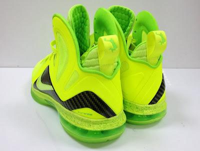 nike lebron 9 ps elite lebron pe tennis 4 02 #TBT: Nike LeBron 9 P.S. Elite Tennis Balls / Dunkman PE