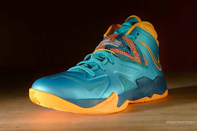 nike zoom soldier 7 gr turbo green 2 06 Release Reminder: Zoom Soldier VII Turbo Green / Atomic Mango