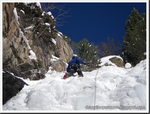 Cascada de Hielo del Parking (Balneario Panticosa, Pirineos) 7836