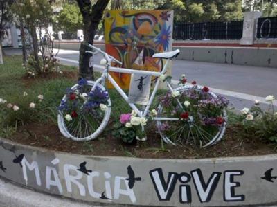 Memorial-Marcia-Prado-2010-11-18-500x375