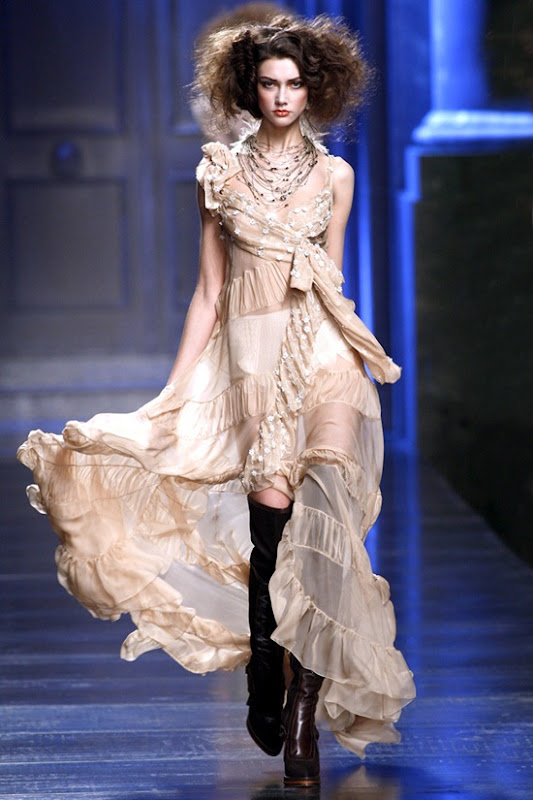 christian-dior-ready-to-wear-fall-2010-18