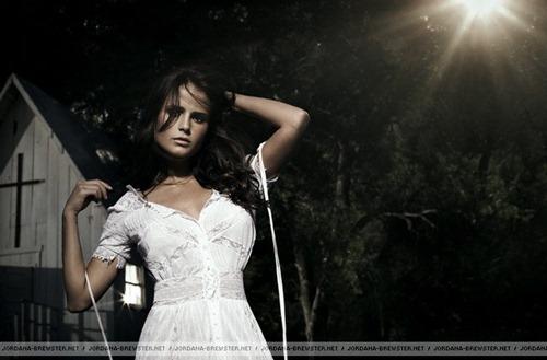 jordana brewster linda sensual photoshoot desbaratinando  (19)