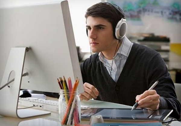 8- Ouvir música enquanto trabalho
