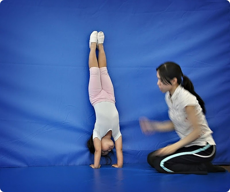 Hand-stand1a