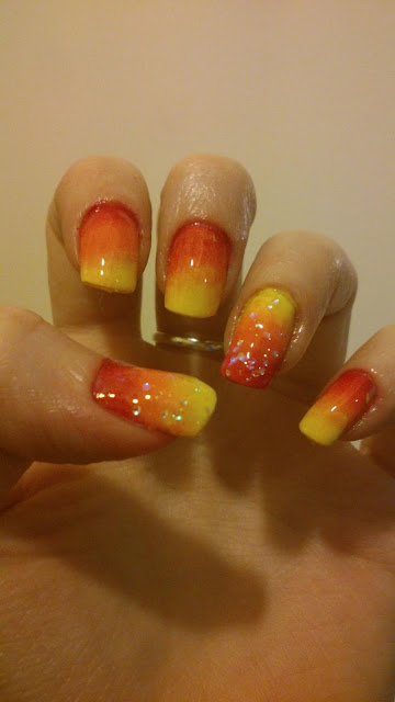 gradient ombre summery nails Inglot #869, KIKO 358, Inglot #722 and Essence special effect topper