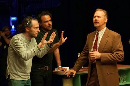 From L to R: Cinematographer Emmanuel Lubezki, Director Alejandro González Iñárritu, and Michael Keaton on the set of BIRDMAN. Photo by Alison Rosa. Copyright © 2014 Twentieth Century Fox.