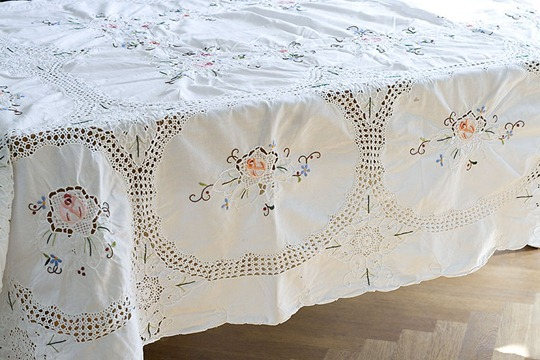 Vintage Hand Embroidered Crochet Tablecloth Songbirdsnest 2