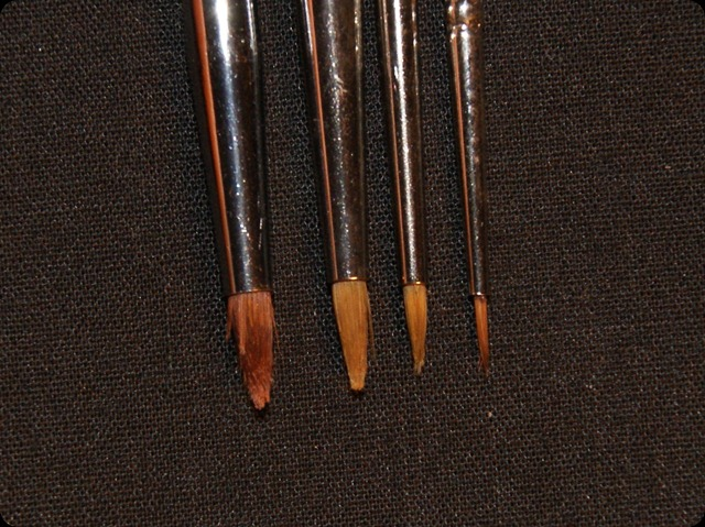 eyeliner brush comparison