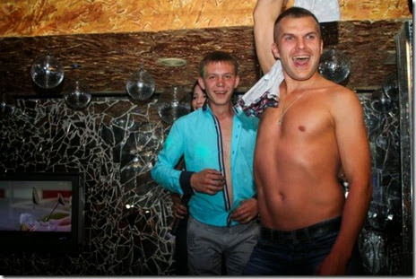crazy-russian-nightclubs-033