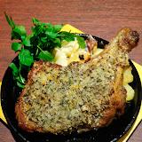 骨付き鶏モモのディアボロ