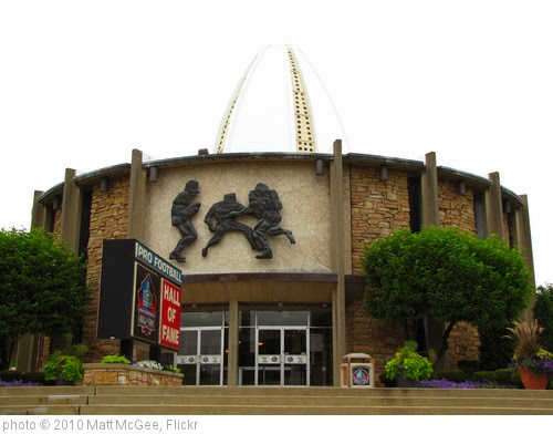 'Pro Football Hall of Fame' photo (c) 2010, Matt McGee - license: http://creativecommons.org/licenses/by-nd/2.0/