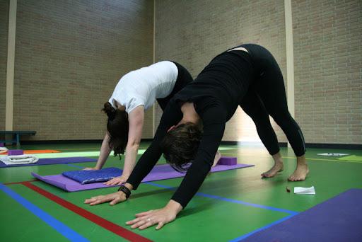 http://lh4.ggpht.com/-fUfZtdMZK3I/SvbEA7YSVgI/AAAAAAAABYw/Q-ips2jTeLI/Yoga%252520%2525282%252529.jpg