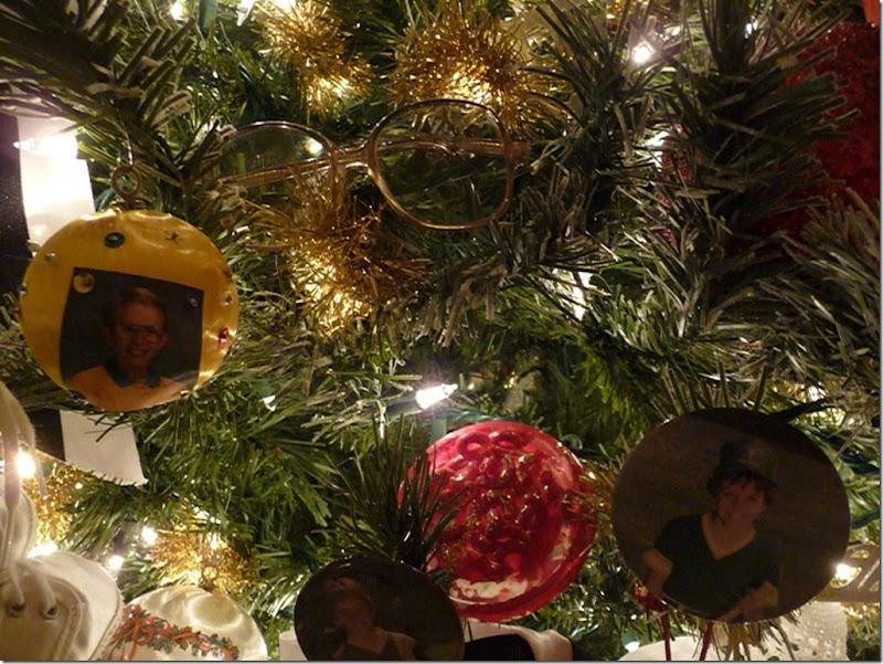 Christmas tree 2011 035 (800x600)