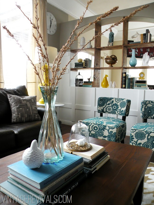 teal-and-yellow-living-room