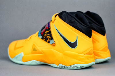 nike zoom soldier 7 gr yellow pop art 4 15 Nike Soldier VII Coconut Groove aka Pop Art available at Eastbay