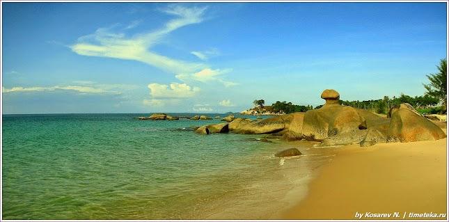 Каменный сфинкс.Остров Бинтан. Индонезия.