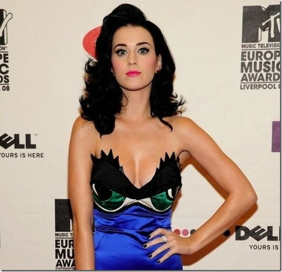 katy-perry-breasts-db379d
