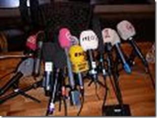 Το Προεδρείο της ΕΕΣ-Ουράνιο Τόξο έχει την ευχαρίστηση να σας προσκαλέσει σε συνέντευξη Τύπου που θα πραγματοποιηθεί στο χώρο του Λιμένα Θεσσαλονίκης στην Αίθουσα Σεμιναρίων της Γ' Αποθήκης (απέναντι από το γλυπτό λιμένα) την Τετάρτη, 4 Ιουνίου 2014 στις 12μμ