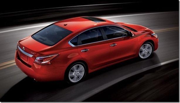 2013-Nissan-Altima-Sedan-6[5]