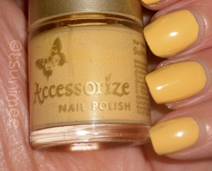 05-accessorize-nail-polish-sunny-yellow