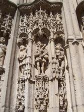 2006.08.25-019 détail du portail de l'église Notre-Dame