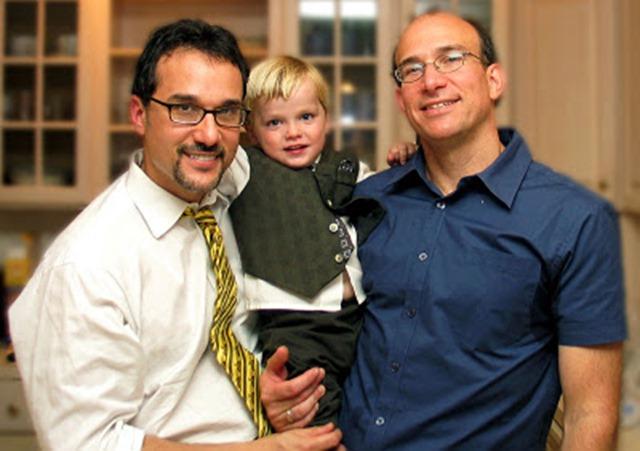 gambar keluarga gay