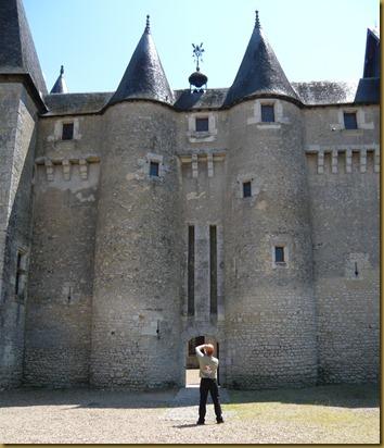 chateau fourgeres-sur-bievres9e