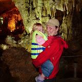 Vi er i en stor grotte på vores sejltur på Halong bay