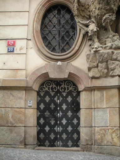 I like the diamond patten. (Prague)