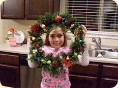 Wreath Making (9) (Medium)
