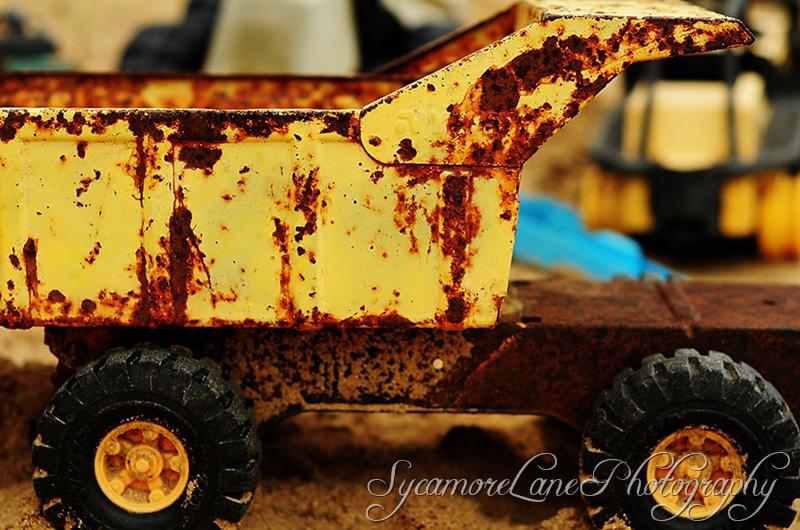 old dump truck-w