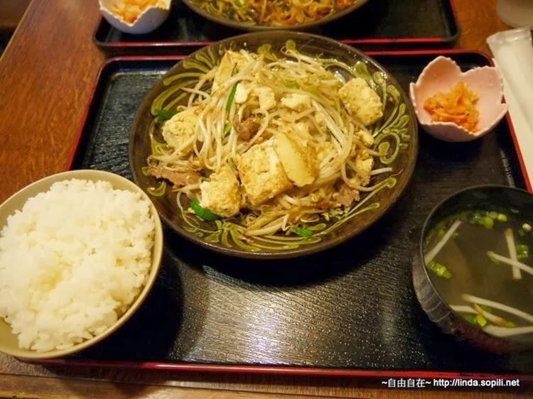 炒豆腐,味道清淡,還不錯