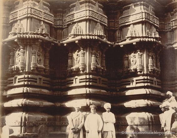 old-mahalakshmi-ambabai-temple
