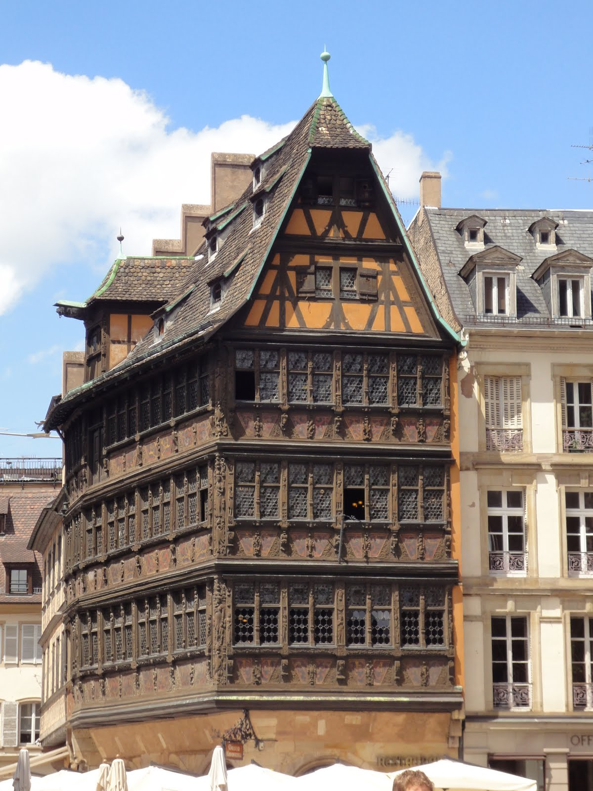 maison kamerzell awesome strasbourg old houses with maison kamerzell house strasbourg france. Black Bedroom Furniture Sets. Home Design Ideas