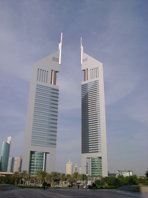 62. Jumeirah Emirates Towers (Dubai, Emiratos Árabes Unidos)