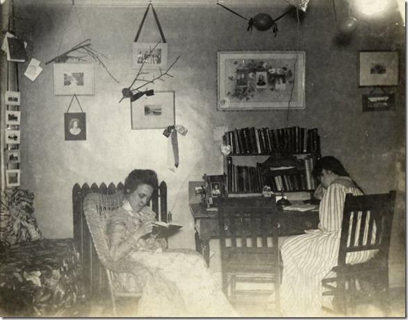 college-dorm-rooms-1