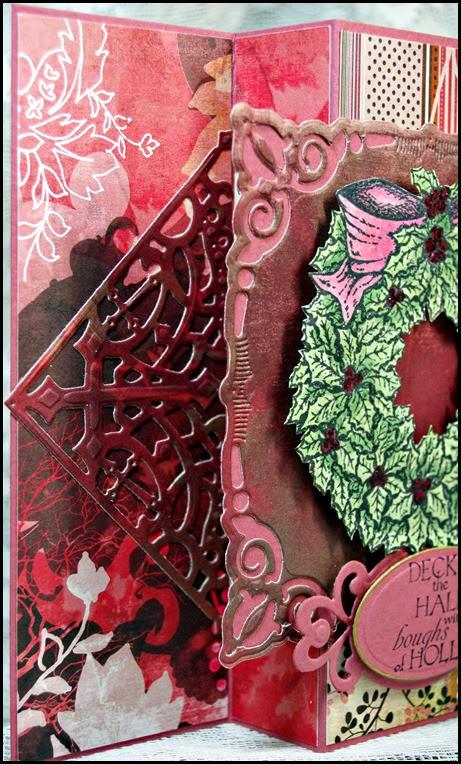 Holly Wreath, Decorative Corners Dies