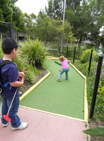 Mini Golf 2 - Kids in the Park